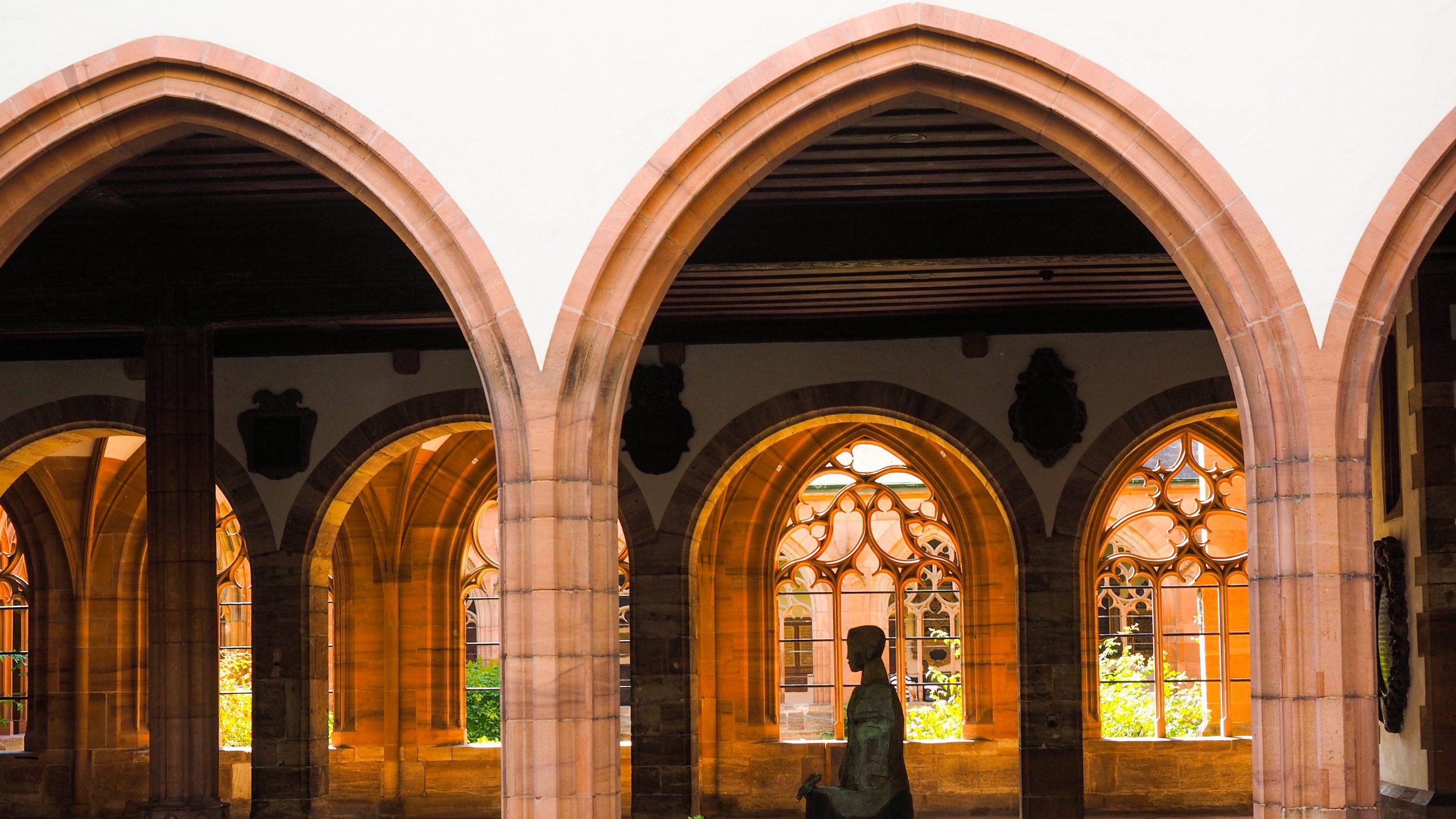 sviçre scaled - Basel: Bir Kültür Şehri