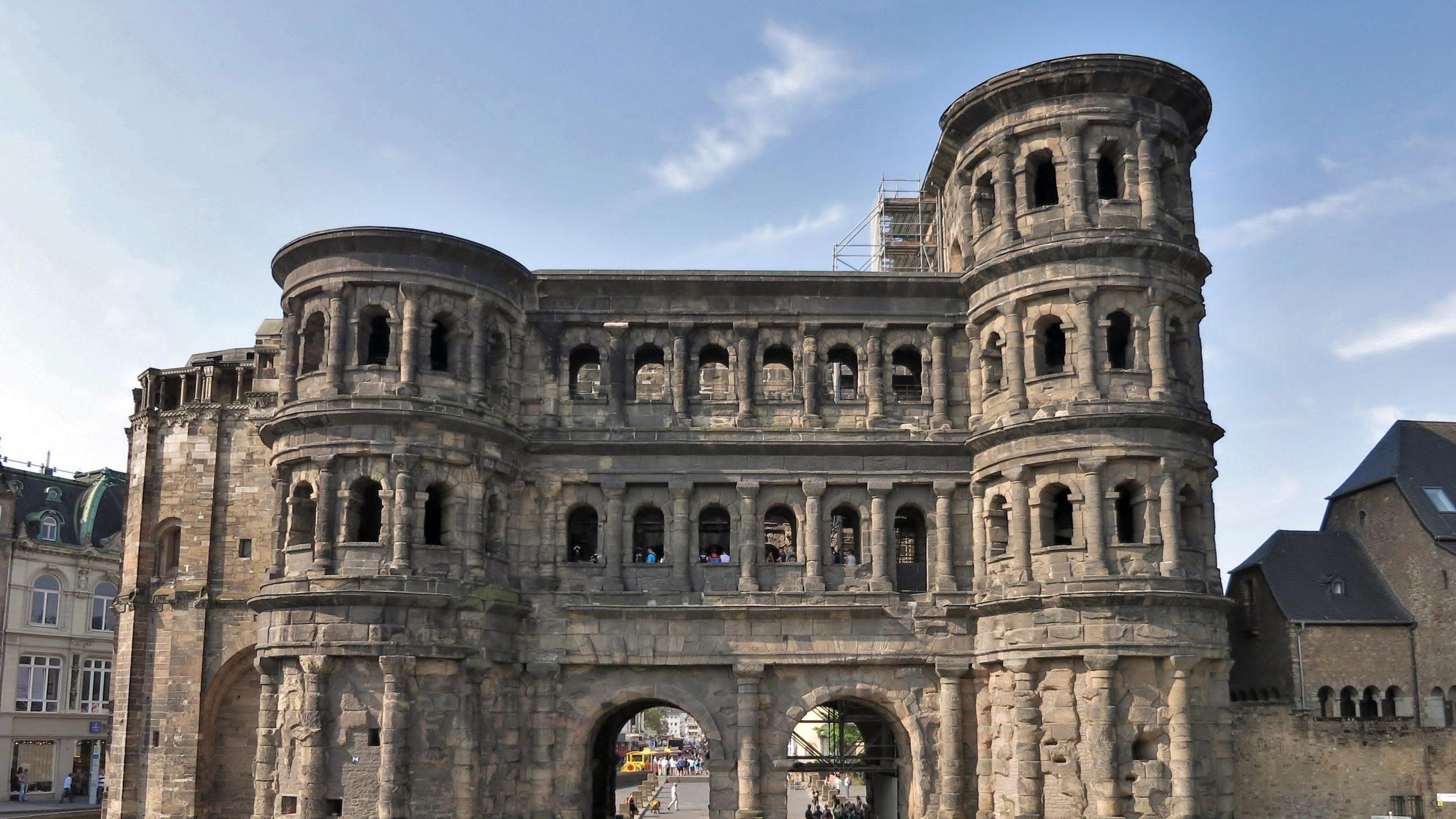 Porta Nigra 1 scaled - Trier: Almanya'nın En Eski Şehrine Yolculuk