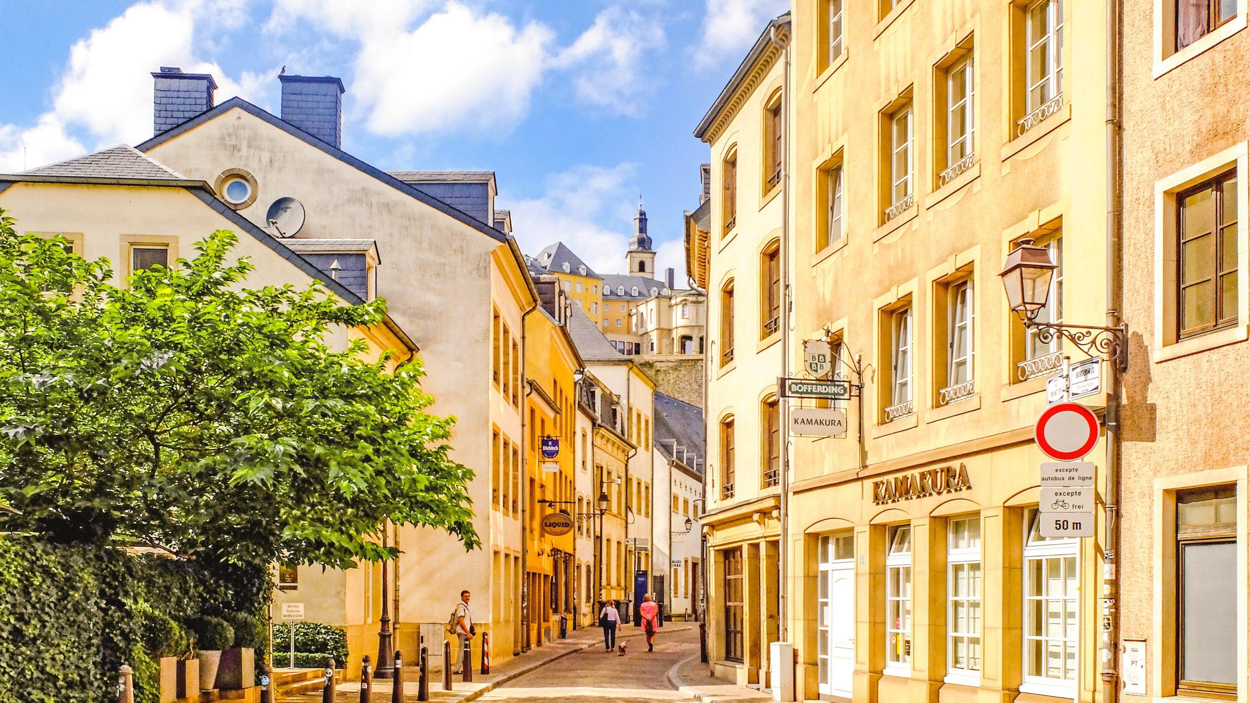 grund sokak scaled - Grund ve Hamilius : Lüksemburg'un Kalbi