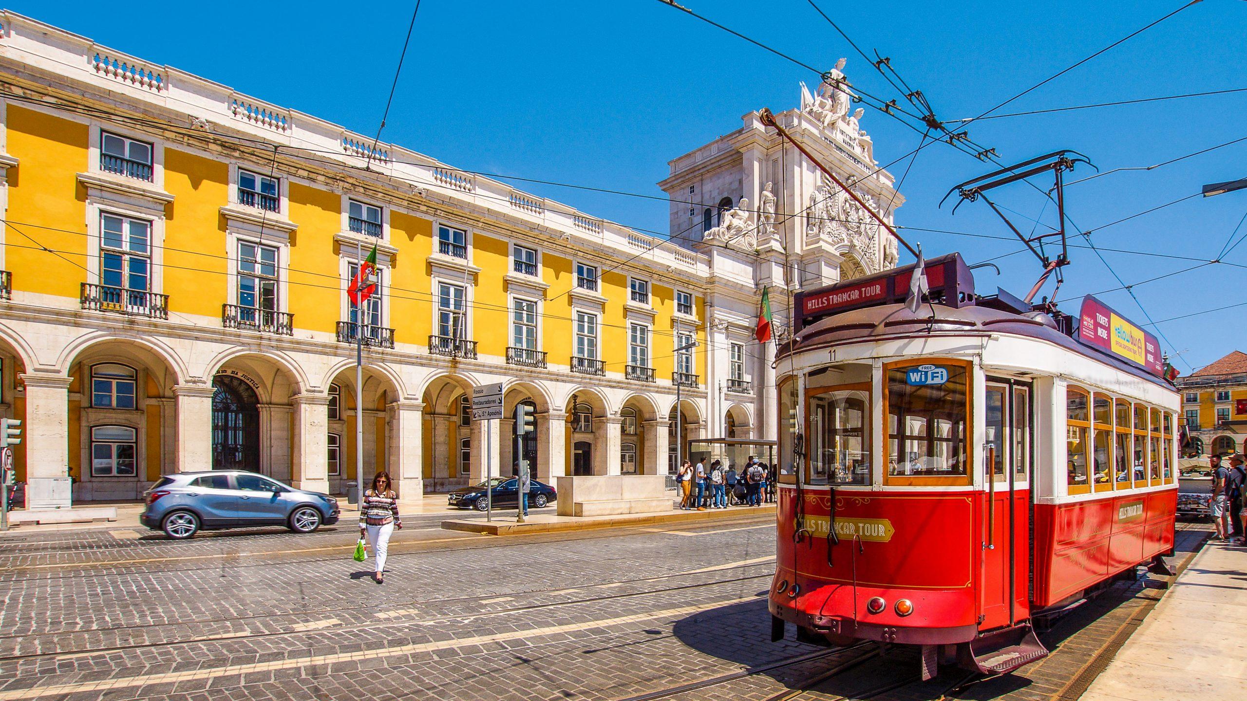 tramvay scaled - Lizbon: Öğrenci Kafasıyla, Avrupa'nın En Doğusundan En Batısına